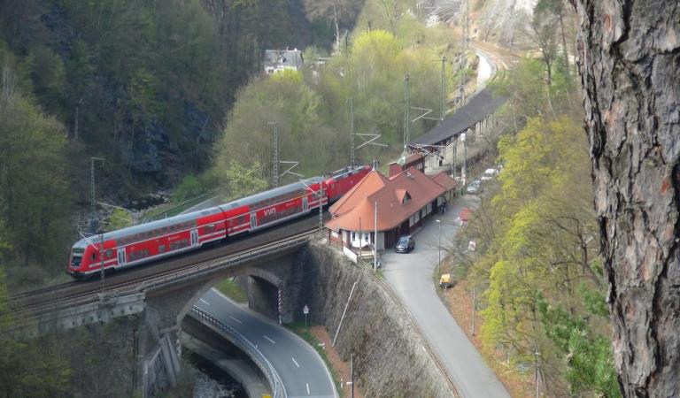 Was ist los am und im Bahnhof Edle Krone?